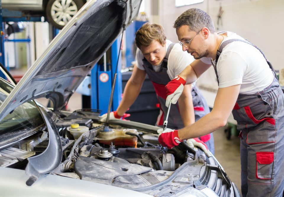 Bring Your Vehicle in for Winter Maintenance | Road Runner Auto Care
