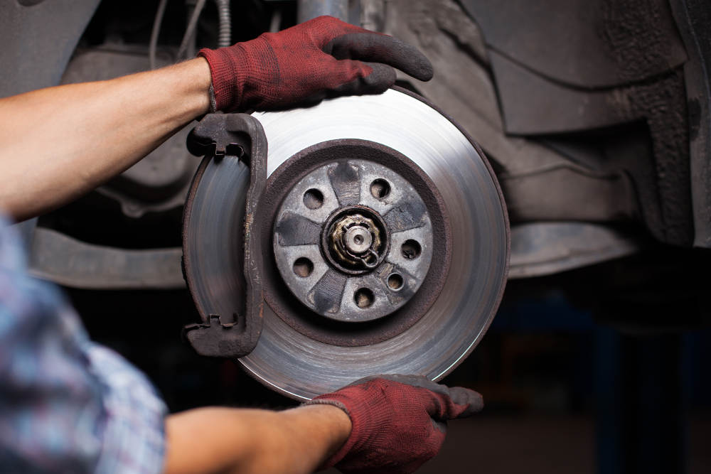 Hesperia Brake Checks | Road Runner Auto Care & Maintenance Center