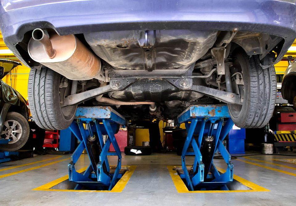 Common Issues Vehicles Face as Seasons Change | Road Runner Auto Maintenance