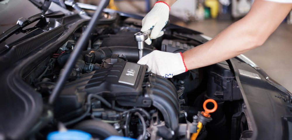 Fall Air And Working On Your Car | Apple Valley Road Runner Car Repair