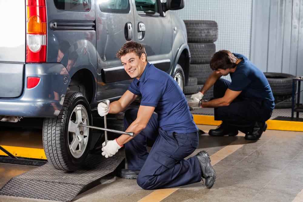 Preparing Your Vehicle for Winter   Road Runner Automotive Maintenance