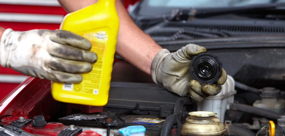The Importance of Using the Right Oil and Filter | Apple Valley Road Runner Care