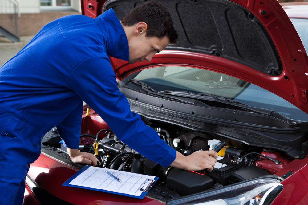 Signs Your Engine Is Going Bad | Road Runner Auto Care