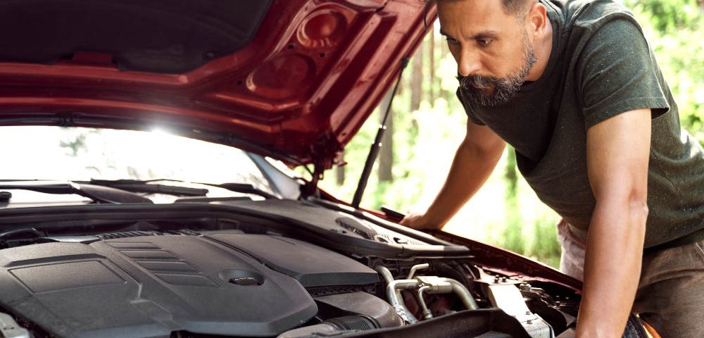 Signs That Your Vehicle Is In Need of a Tune-Up   Road Runner Auto Care