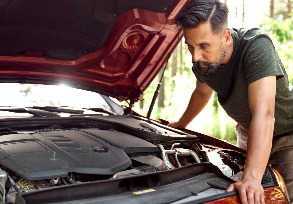 Signs That Your Vehicle Is In Need of a Tune-Up | Road Runner Auto Care
